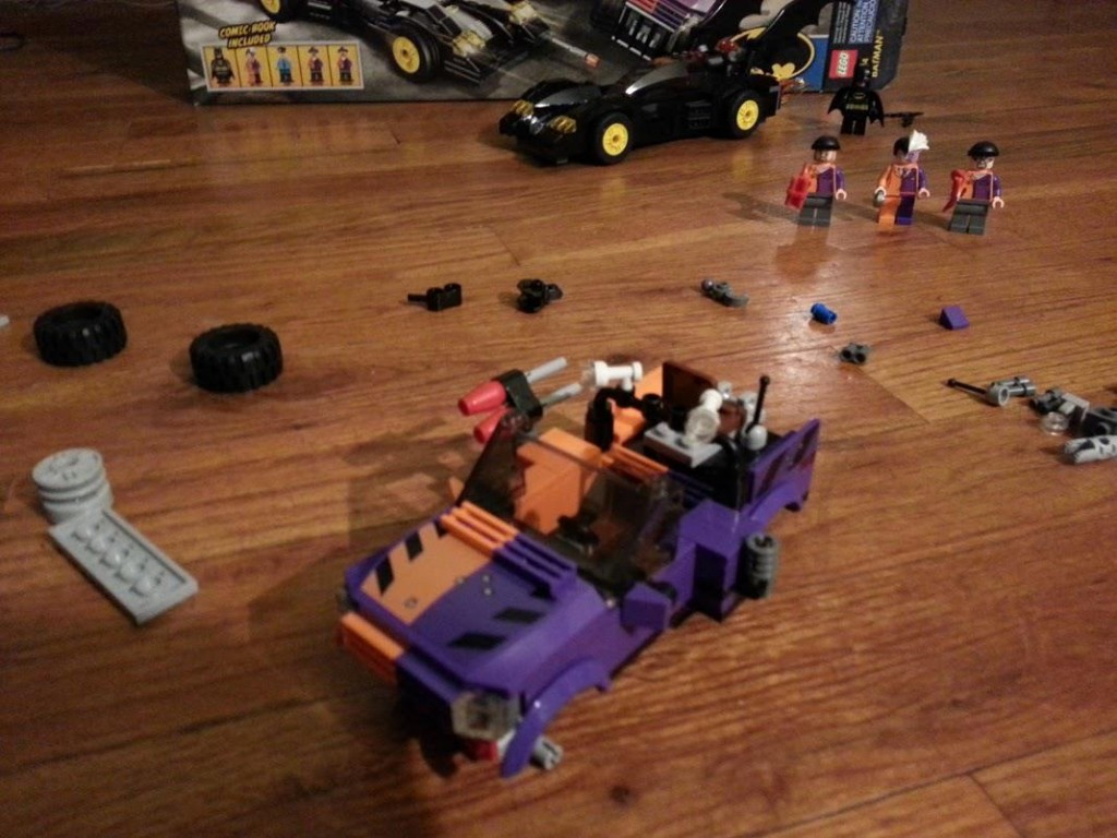LEGO Two-Face Chase: Step 9