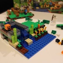LEGO Minecraft: The Farm 15