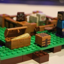 LEGO Minecraft Bread in Chest