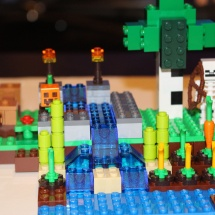 LEGO Minecraft: The Farm 18