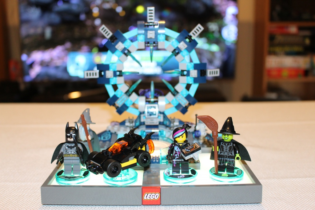 LEGO Dimensions Portal and Figures