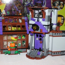 LEGO Mystery Mansion 28