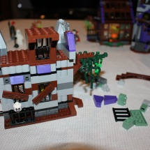LEGO Mystery Mansion 42