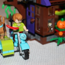 LEGO Mystery Mansion Motorcycle
