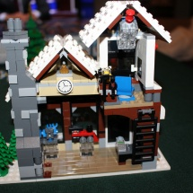 LEGO Winter Toy Shop 30