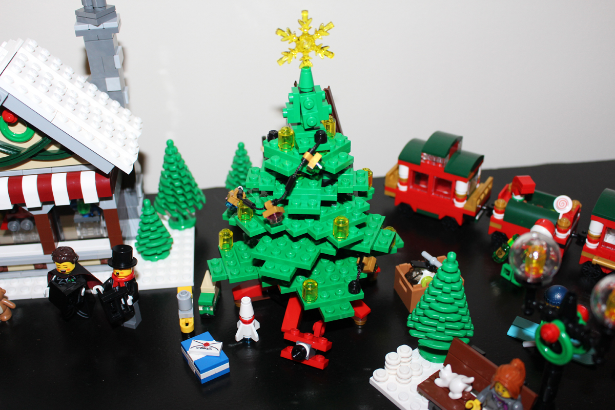 Lego Winter Toy Shop Clayburns Blog 10249 Exclusive 35 The Town Christmas Tree