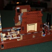 LEGO Sandcrawler 16