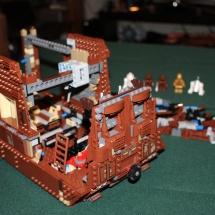 LEGO Sandcrawler 18