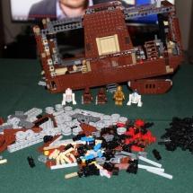 LEGO Sandcrawler 26
