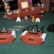 LEGO Sandcrawler 27