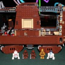 LEGO Sandcrawler 28