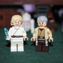 LEGO Luke Skywalker and Uncle Owen