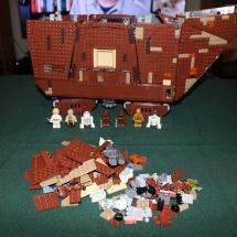 LEGO Sandcrawler 38