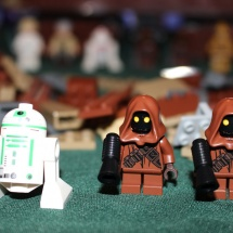 More LEGO Jawas and Another Droid