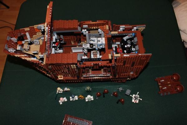 Inside the LEGO Sandcrawler