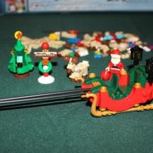 LEGO Santa's Workshop 10
