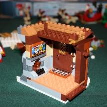 LEGO Santa's Workshop 19
