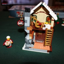 LEGO Santa's Workshop 22