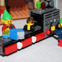 Elf with Conveyor Belt