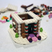 LEGO Gingerbread House 7