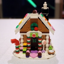 LEGO Gingerbread House 11