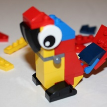 LEGO Parrot 8