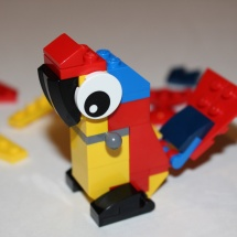 LEGO Parrot 9