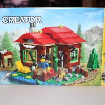 LEGO Lakeside Lodge Box