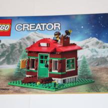 LEGO Lakeside Lodge Booklet 1