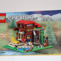 LEGO Lakeside Lodge Booklet 2