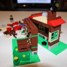 LEGO Lakeside Lodge 9