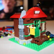 LEGO Lakeside Lodge Telescope Front Porch
