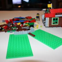 LEGO Lakeside Lodge 10