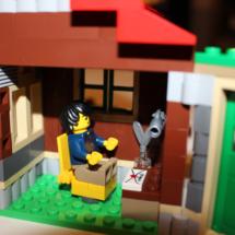 LEGO Lakeside Lodge Writing Cabin Desk