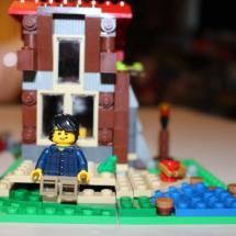 LEGO Lakeside Lodge Writing Cabin Beach