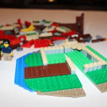 LEGO Lakeside Lodge 14
