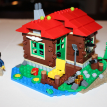 LEGO Lakeside Lodge Complete