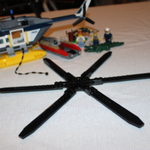 LEGO Helicopter Pursuit 24